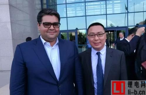 薛驰总裁与乌投资委员会主席Akhmedkhadjaev合影