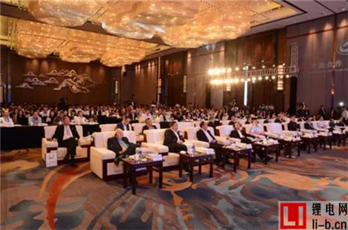 中国新能源汽车产业的发展出现了不可逆转的拐点
